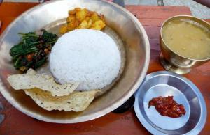 Dhal Baaht nepalesisches Essen