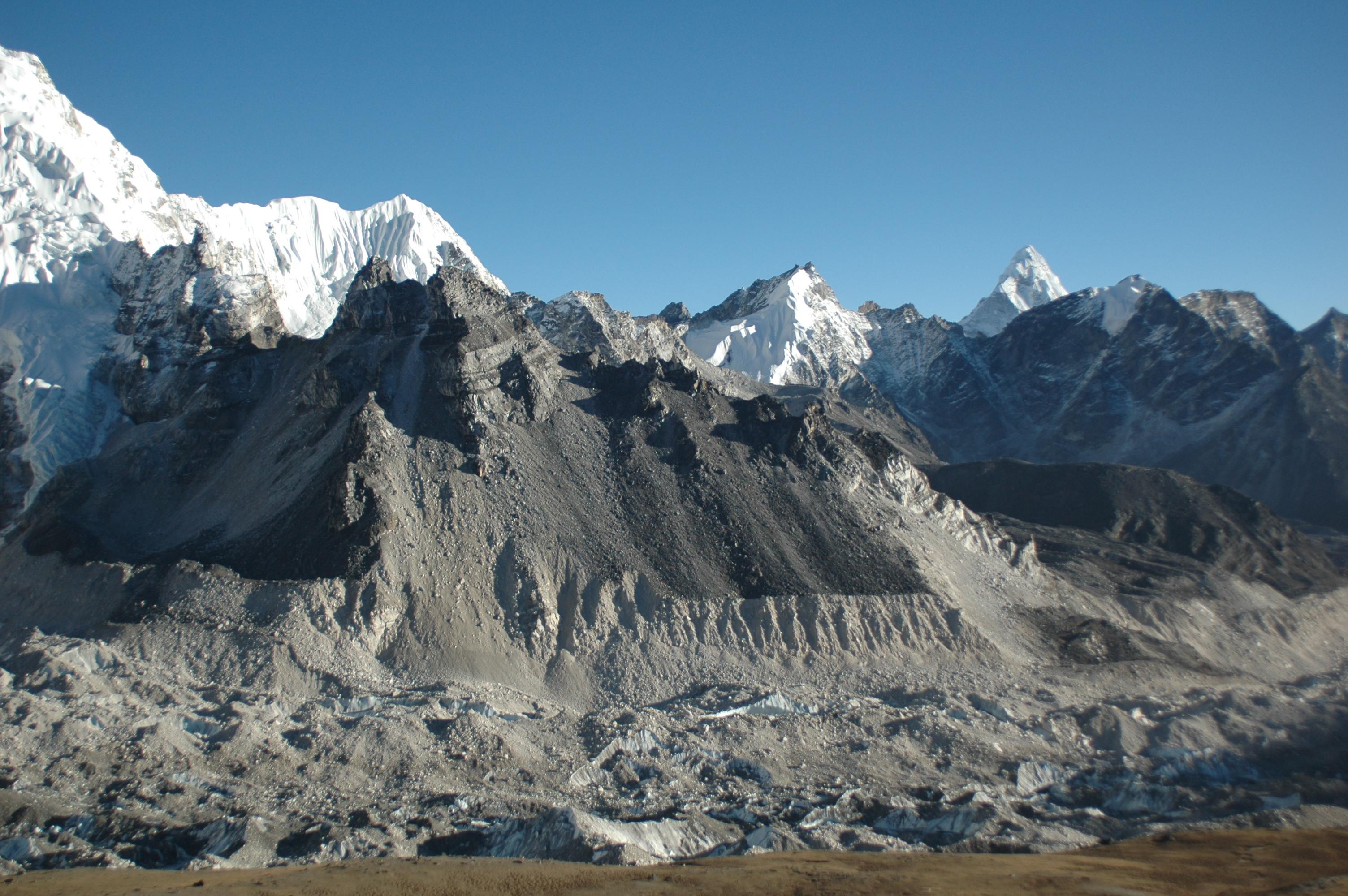 khumbu-gletscher-everest-bace-camp