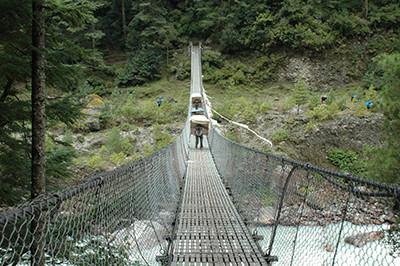 haengebruecke-khumbu-trekking