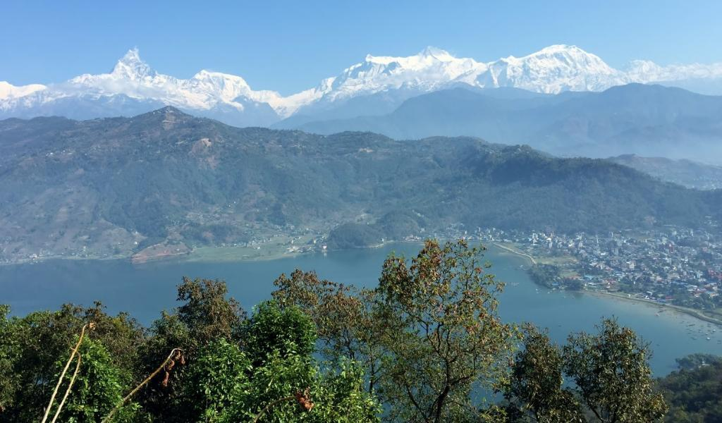 pokhara-fewa-see-annapurnarunde-himalayablick
