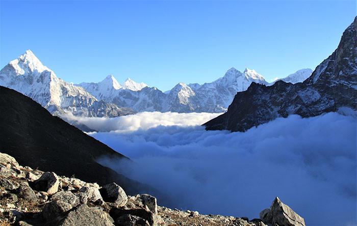 wolken-berge-natur-everest-trek-nepal