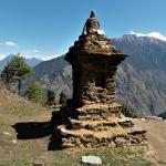 choerten-tamang-heritage-gebiet-mit-schoenen-bergblicken
