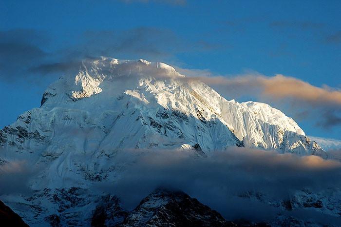 dhaulagiri-himalaya-wolken-und-sonne