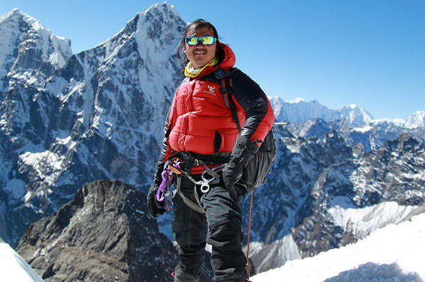 climbing-guide-nepal-island-peak