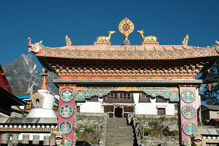 thengboche-kloster-sallary-everest-trekking-tour