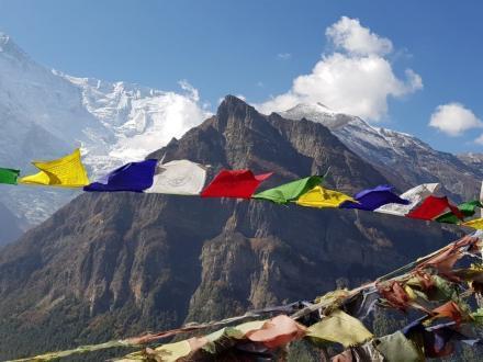 Gebetsfahnen Annapurna Trekking