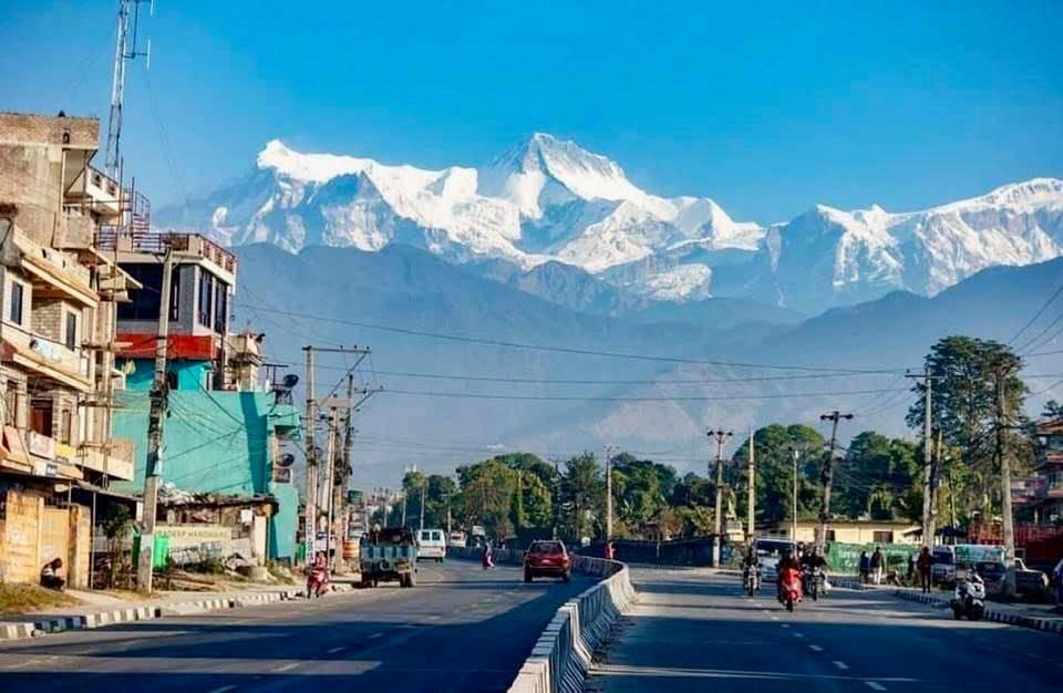 Pokhara-nepal-klare-sicht-auf-die-berge-in-der-corona-krise