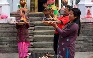 newar-zeremonie-nepal-tempel-feuer